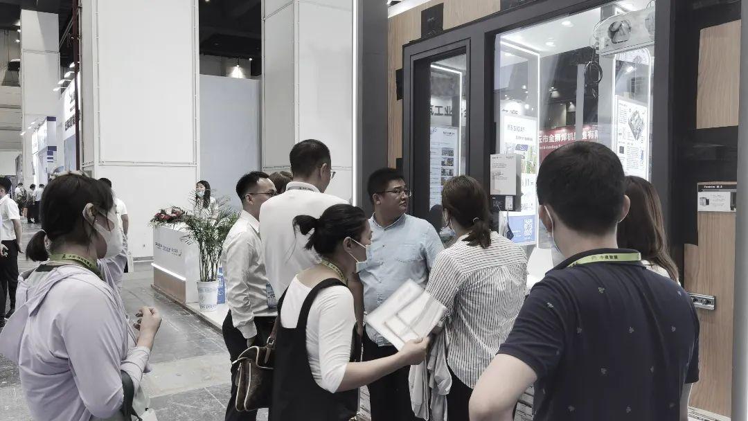 森鹰窗业出展郑州筑博会,展现高品质铝包木窗魅力